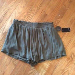 Forever21 shorts Sz M new with tag